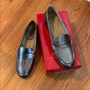 Aerosoles Main Dish dark silver loafers size 12